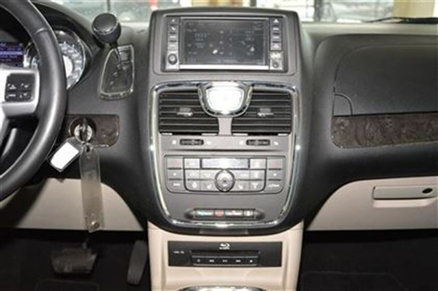 2013 chrysler town and country touring dvd entertainment sunroof 4 new tires milton. Black Bedroom Furniture Sets. Home Design Ideas