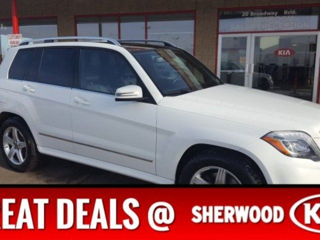 2015 MERCEDES-BENZ GLK-CLASS AWD LEATHER NAV Diesel, Accident Free, Navigation (GPS), Leather, Heated Seats, Panoramic Roof, in Sherwood Park, Alberta