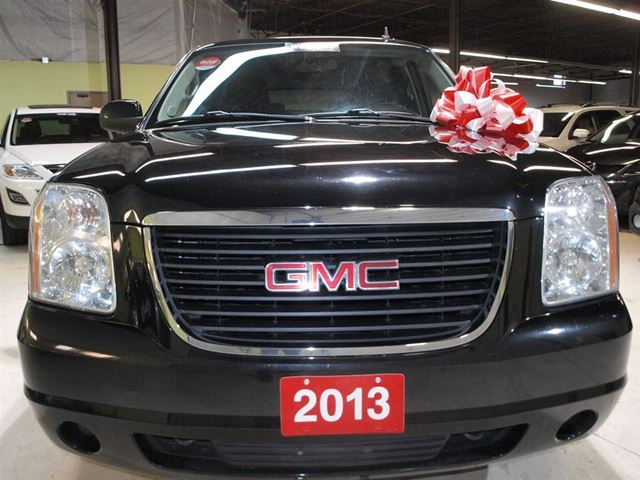 2013 gmc yukon xl sle 4x4 9 passenger vaughan ontario used car for sale 2699575. Black Bedroom Furniture Sets. Home Design Ideas