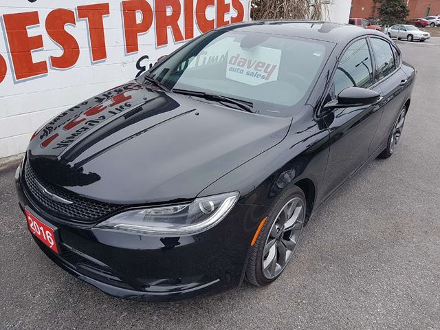 2016 CHRYSLER 200 S SUNROOF, REMOTE STARTER, NAVIGATION in Oshawa, Ontario