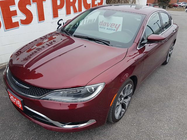 2016 CHRYSLER 200 C SUNROOF, NAVIGATION, LEATHER INTERIOR in Oshawa, Ontario