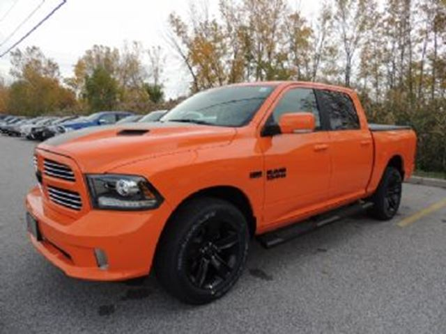 2017 dodge ram 1500 crew cab 4x4 slt 140 5 mississauga ontario used car for sale 2700159. Black Bedroom Furniture Sets. Home Design Ideas