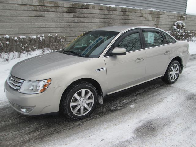 2009 ford taurus sel awd 76000km longueuil quebec used car for sale 2700343. Black Bedroom Furniture Sets. Home Design Ideas