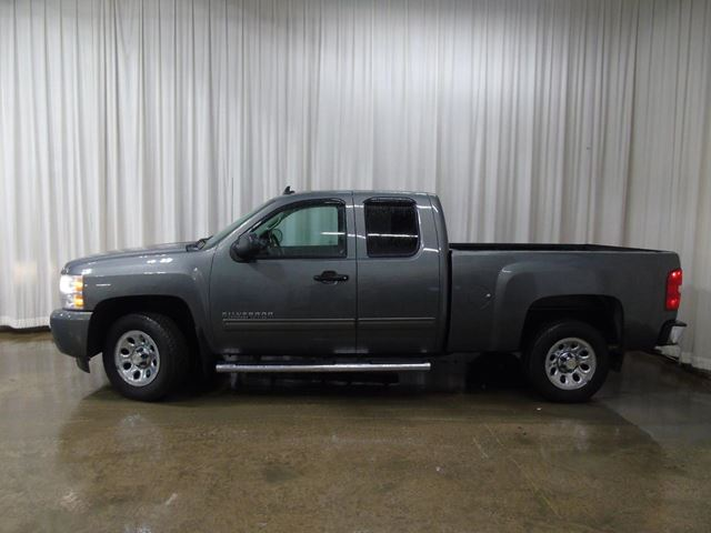 2011 Chevrolet Silverado 1500 LS 4.8L 8 CYL AUTOMATIC RWD EXTENDED CAB in Middleton, Nova Scotia
