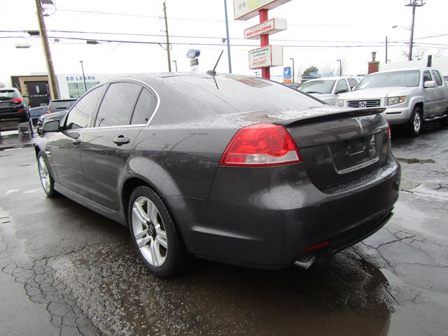 2009 pontiac g8 rare loaded st catharines ontario. Black Bedroom Furniture Sets. Home Design Ideas