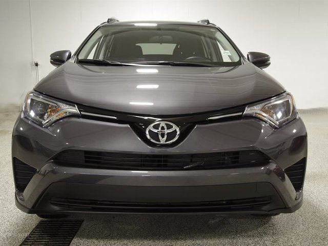 2016 toyota rav4 awd le calgary alberta used car for sale 2702978. Black Bedroom Furniture Sets. Home Design Ideas