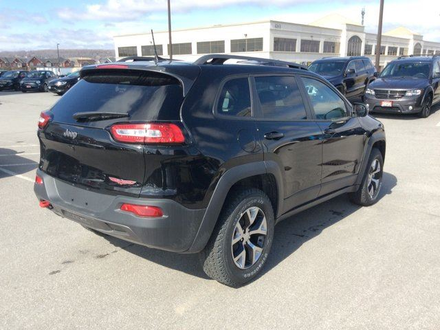 2017 jeep cherokee trailhawk milton ontario used car for sale 2703314. Black Bedroom Furniture Sets. Home Design Ideas