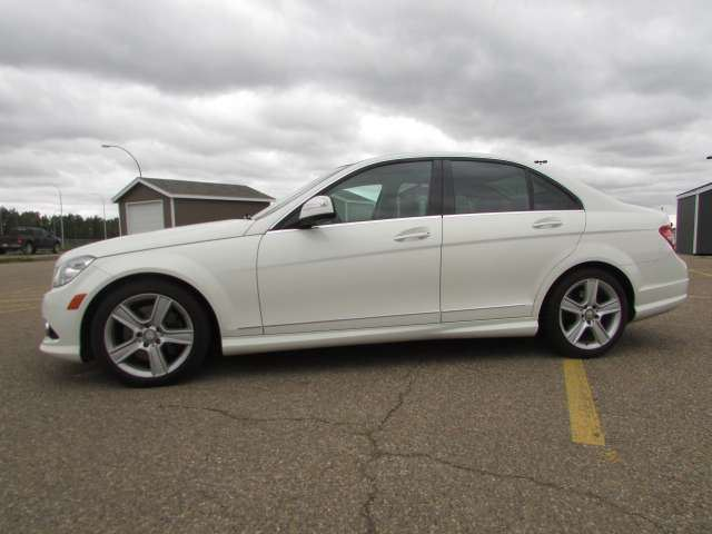 2009 MERCEDES-BENZ C-CLASS C300 4Matic AWD in Medicine Hat, Alberta