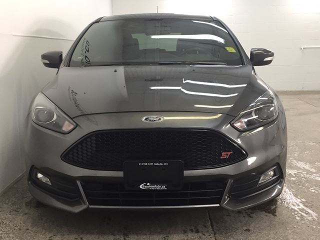 2015 ford focus st 6 spd turbo sunroof recaro sony sync belleville ontario used car. Black Bedroom Furniture Sets. Home Design Ideas