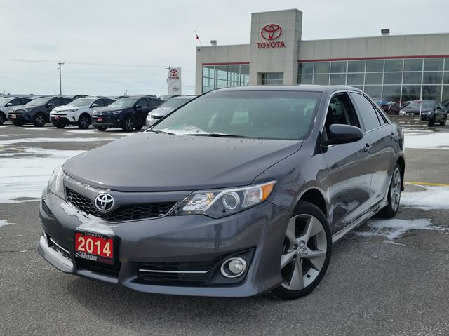 2014 toyota camry se lindsay ontario used car for sale 2705472. Black Bedroom Furniture Sets. Home Design Ideas