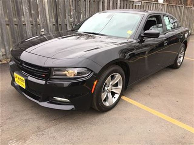 2015 dodge charger sxt automatic burlington ontario used car for sale 2706541. Black Bedroom Furniture Sets. Home Design Ideas
