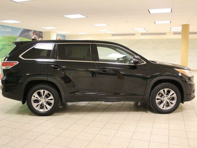 2014 toyota highlander awd le convenience package calgary alberta used car for sale 2706747. Black Bedroom Furniture Sets. Home Design Ideas