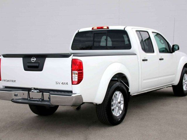 2016 nissan frontier sv 4x4 crew cab kelowna british columbia used car for sale 2706197. Black Bedroom Furniture Sets. Home Design Ideas