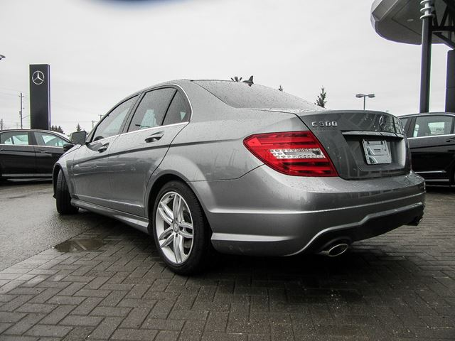 2014 mercedes benz c class c300 4matic sedan ottawa for Used mercedes benz c300 4matic for sale