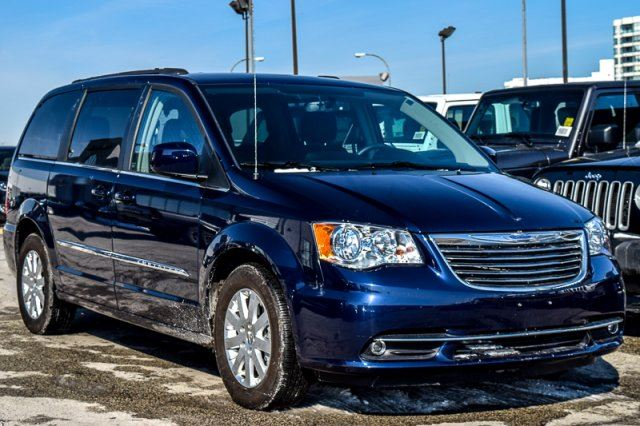 2016 chrysler town and country touring driv conven pkg nav htdfseats stown 39 go rearcam. Black Bedroom Furniture Sets. Home Design Ideas