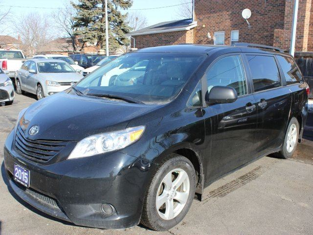 2015 toyota sienna le brampton ontario used car for sale 2707933. Black Bedroom Furniture Sets. Home Design Ideas