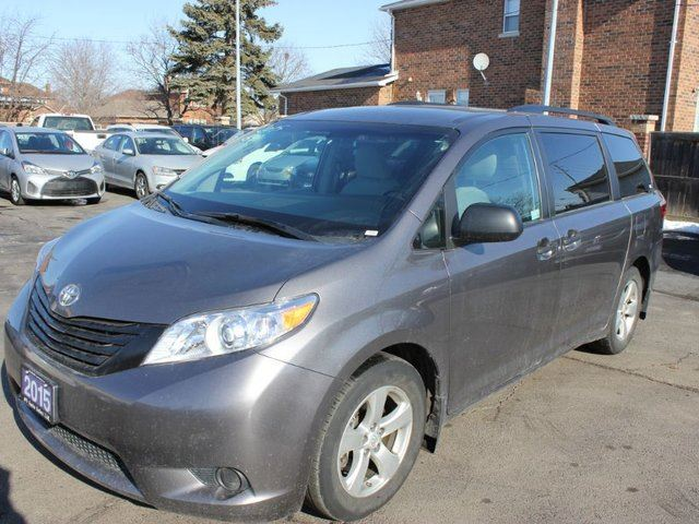 2015 toyota sienna le brampton ontario used car for. Black Bedroom Furniture Sets. Home Design Ideas