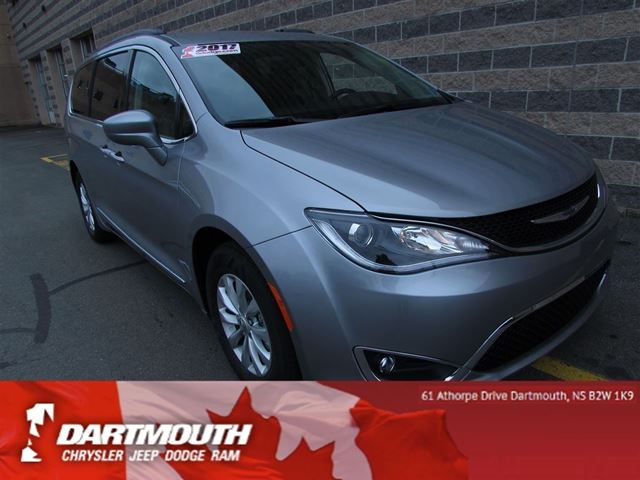 2017 CHRYSLER PACIFICA TOURING/LEATHER/LOADED/UNDER 1000KMS! in Dartmouth, Nova Scotia