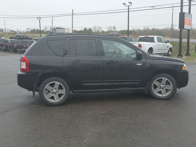 2008 jeep compass sport 4x4 ottawa ontario used car for sale 2708059. Black Bedroom Furniture Sets. Home Design Ideas