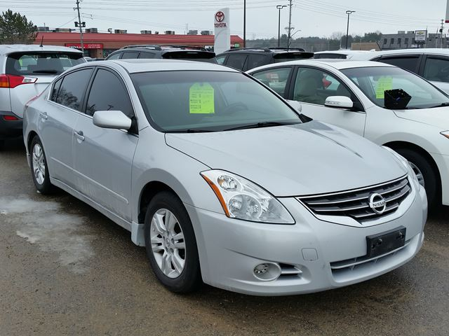 2010 nissan altima 2 5 s midland ontario used car for sale 2709214. Black Bedroom Furniture Sets. Home Design Ideas