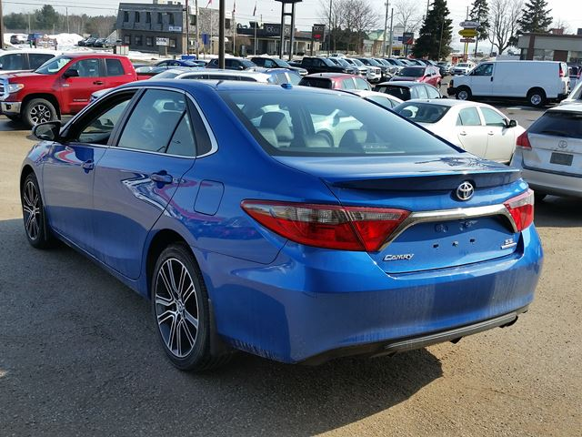 2016 toyota camry se midland ontario used car for sale 2709222. Black Bedroom Furniture Sets. Home Design Ideas