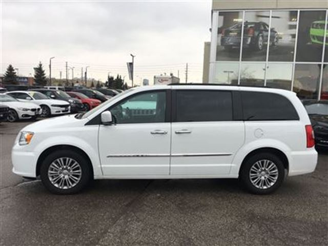 2016 chrysler town and country touring l power sunroof leather dual dvd 39 s woodbridge. Black Bedroom Furniture Sets. Home Design Ideas