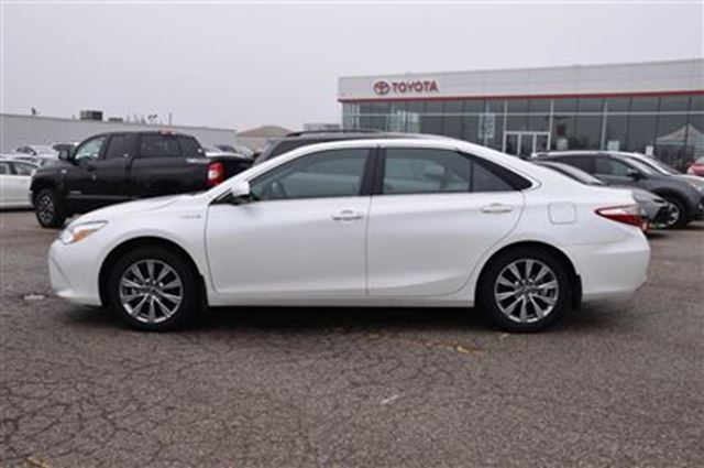 2017 toyota camry hybrid xle georgetown ontario car for sale 2709989. Black Bedroom Furniture Sets. Home Design Ideas