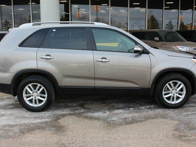 2015 kia sorento lx edmonton alberta used car for sale 2710334. Black Bedroom Furniture Sets. Home Design Ideas