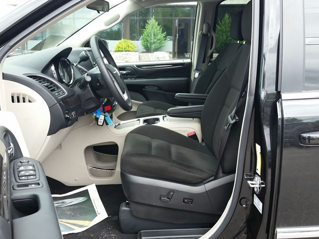 2016 chrysler town and country touring running boards back. Black Bedroom Furniture Sets. Home Design Ideas