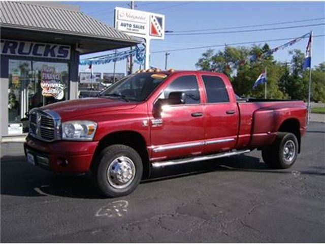 2007 Dodge RAM 3500 DIESEL DUALLY 4X4 !!! STICK !! in Welland, Ontario