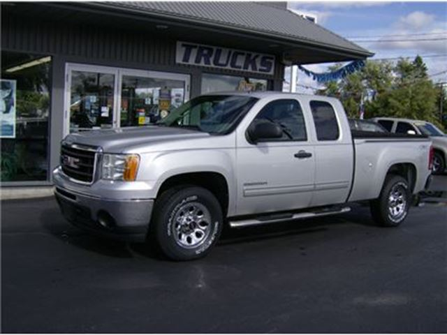 2011 GMC SIERRA 1500 EXTENDED CAB 4X4 !! WE FINANCE !! in Welland, Ontario