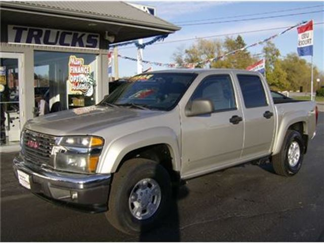 2007 GMC CANYON CREW CAB SITS UP NICE !!! in Welland, Ontario