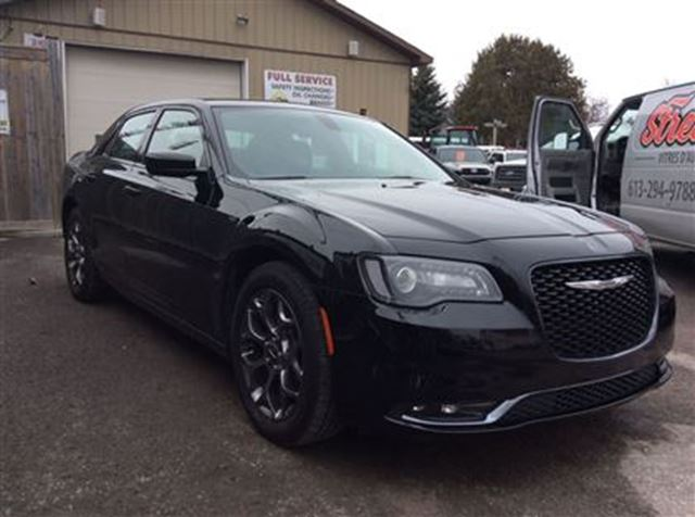 2016 chrysler 300 300s awd sunroof ottawa ontario used car for sale 2712517. Black Bedroom Furniture Sets. Home Design Ideas