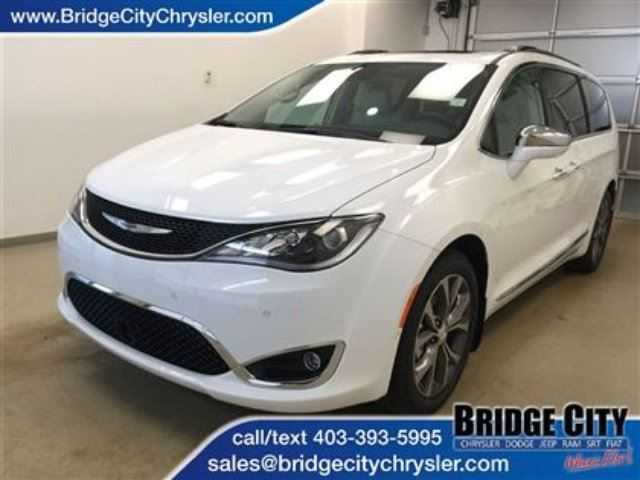 2017 Chrysler Pacifica Limited *Demo Unit* Loaded! in Lethbridge, Alberta