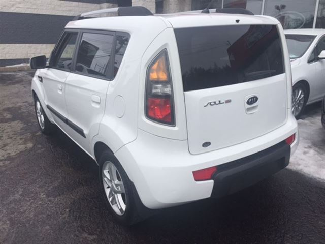 2010 kia soul 2u 2 0 garantie inspectn st eustache quebec used car for sale 2711891. Black Bedroom Furniture Sets. Home Design Ideas