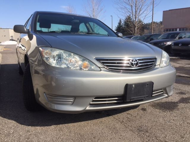 2006 toyota camry le only 124 000km clean auto 4 cyl power group cruise keyless entry. Black Bedroom Furniture Sets. Home Design Ideas