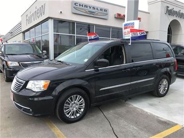 2016 chrysler town and country touring l leather power sliding doors. Cars Review. Best American Auto & Cars Review