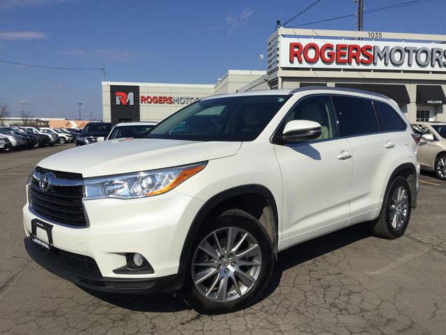 2014 toyota highlander xle awd v6 navi 8 pass. Black Bedroom Furniture Sets. Home Design Ideas