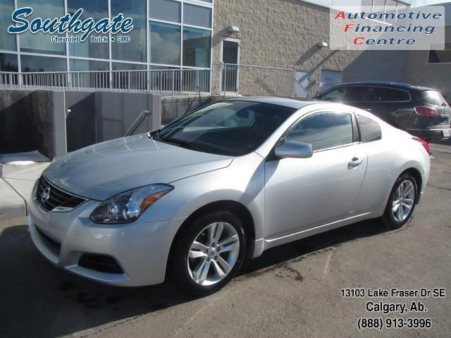 2013 nissan altima 2 5 s calgary alberta used car for sale 2714357. Black Bedroom Furniture Sets. Home Design Ideas