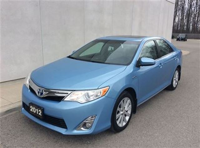 2012 toyota camry hybrid xle welland ontario used car. Black Bedroom Furniture Sets. Home Design Ideas