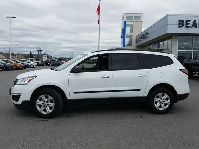 2017 chevrolet traverse ls carleton place ontario used car for sale 2715170. Black Bedroom Furniture Sets. Home Design Ideas