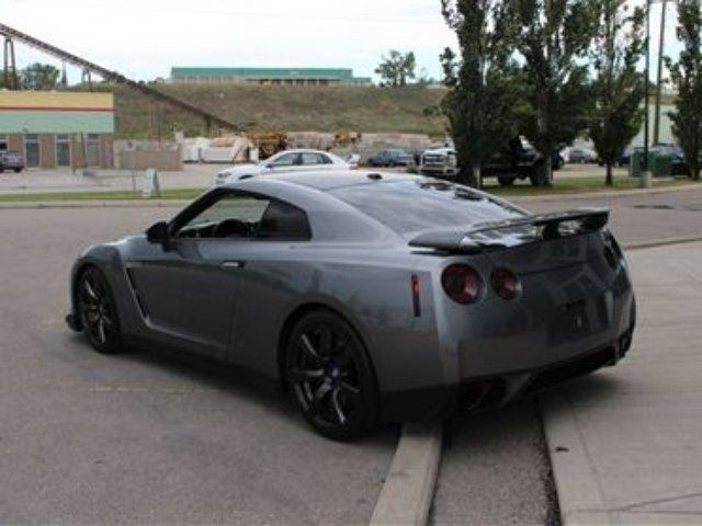 2010 nissan gt r calgary alberta car for sale 2714667. Black Bedroom Furniture Sets. Home Design Ideas
