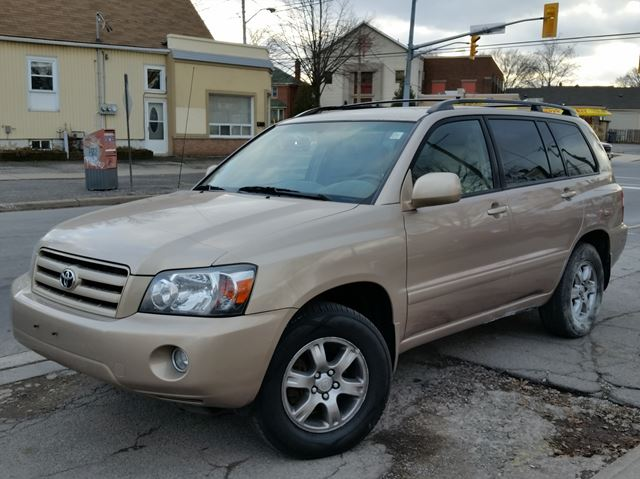 2006 TOYOTA HIGHLANDER 4WD in St Catharines, Ontario