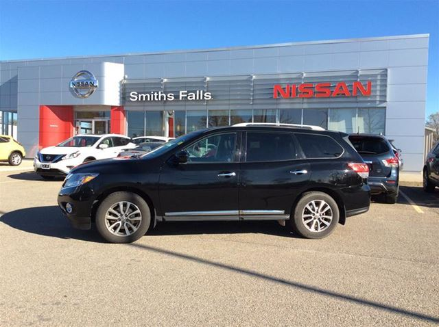 2014 nissan pathfinder sl smiths falls ontario car for sale 2715759. Black Bedroom Furniture Sets. Home Design Ideas