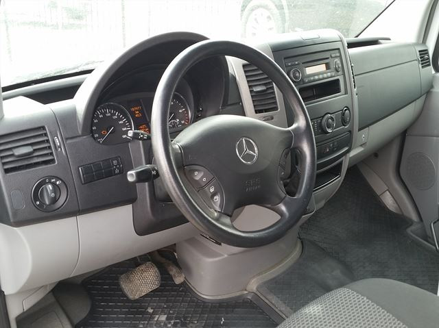 2013 mercedes benz sprinter diesel like new finance for for Mercedes benz sprinter price list
