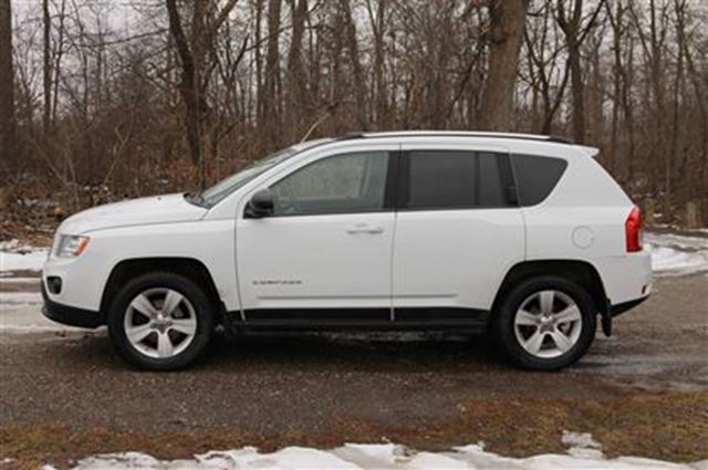 2011 jeep compass sport north 4x4 sunroof certified e tested kitchener ontario used car for. Black Bedroom Furniture Sets. Home Design Ideas