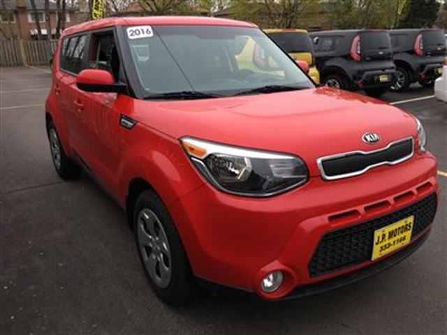 2016 kia soul lx automatic burlington ontario used car for sale 2717469. Black Bedroom Furniture Sets. Home Design Ideas