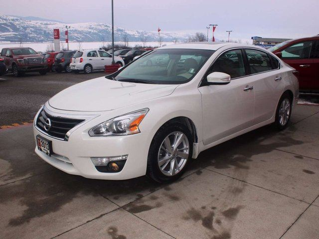 2013 nissan altima 2 5 sl kelowna british columbia used car for sale 2716929. Black Bedroom Furniture Sets. Home Design Ideas