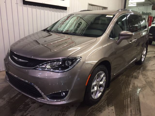 2017 chrysler pacifica touring l plus barrhead alberta car for sale 2716806. Black Bedroom Furniture Sets. Home Design Ideas
