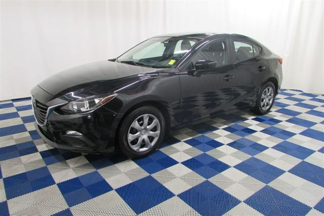 2014 MAZDA MAZDA3 GX-SKY A/C /USB OUTLET/AUTOMATIC/LOW KM in Winnipeg, Manitoba